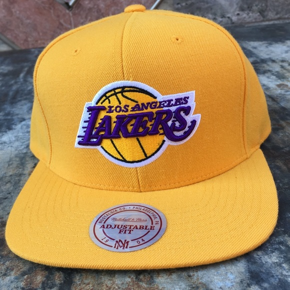 8dec3076e97 Los Angeles Lakers Snapback Hat Mitchell   Ness